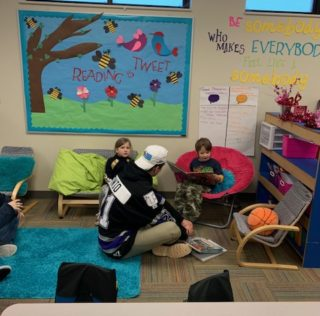 Storm Hockey Players Read to Kindergarten